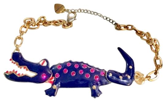Preload https://img-static.tradesy.com/item/26116913/navy-nd-pink-6-alligator-excellent-condition-necklace-0-1-540-540.jpg