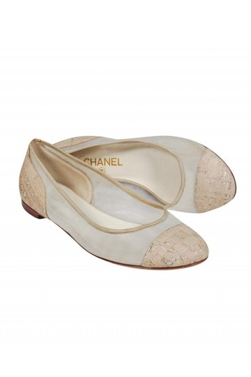 Preload https://img-static.tradesy.com/item/26116964/chanel-cream-flats-size-us-75-regular-m-b-0-0-540-540.jpg