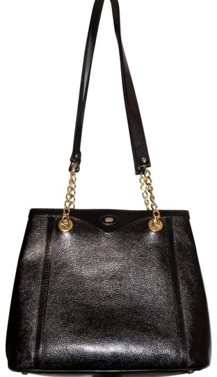 Preload https://img-static.tradesy.com/item/26117197/bally-chain-black-leather-tote-0-7-540-540.jpg