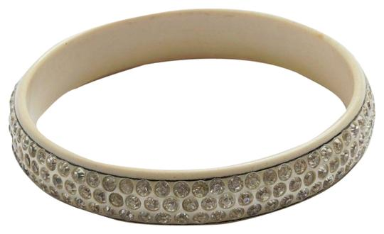 Preload https://img-static.tradesy.com/item/26117282/beige-bakelite-rhinestone-bangle-bracelet-0-1-540-540.jpg