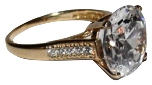 vintage 10 kt Gold Round Cubic Zirconia Solitaire Cocktail Ring