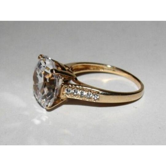 vintage 10 kt Gold Round Cubic Zirconia Solitaire Cocktail Ring Image 2