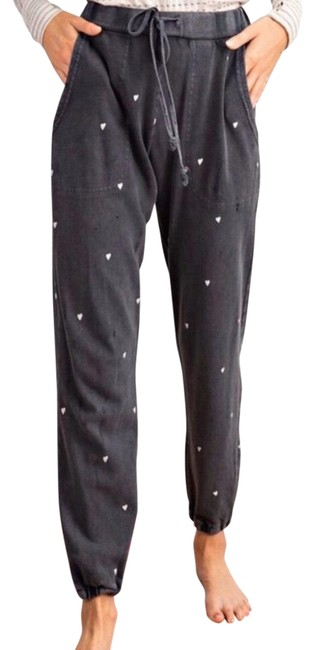Preload https://img-static.tradesy.com/item/26117916/easel-charcoal-soft-heart-print-joggers-sweatpants-pants-size-6-s-28-0-1-650-650.jpg