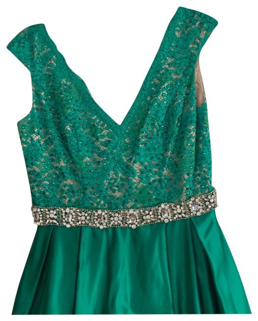Preload https://img-static.tradesy.com/item/26118006/jovani-emerald-green-gown-long-formal-dress-size-6-s-0-1-650-650.jpg