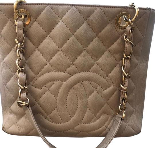 Chanel Leather Chic Tote in Beige Image 0