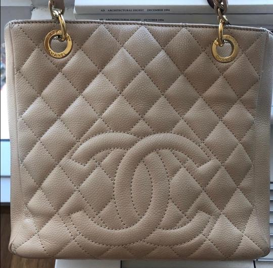 Chanel Leather Chic Tote in Beige Image 6