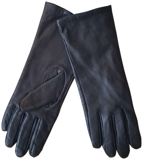 Preload https://img-static.tradesy.com/item/26118060/adrienne-vittadini-black-genuine-leather-gloves-0-1-540-540.jpg