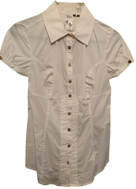 Preload https://img-static.tradesy.com/item/26118078/guess-white-with-open-back-button-down-top-size-4-s-0-1-650-650.jpg