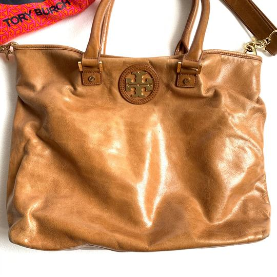 Tory Burch Tote in Camel Image 1