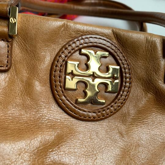 Tory Burch Tote in Camel Image 3