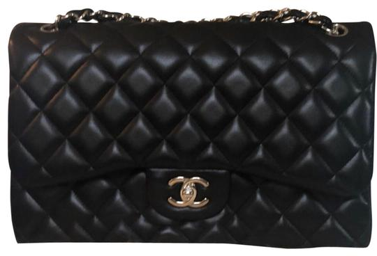 Preload https://img-static.tradesy.com/item/26118316/chanel-double-flap-classic-large-black-with-silver-hardware-leather-shoulder-bag-0-1-540-540.jpg