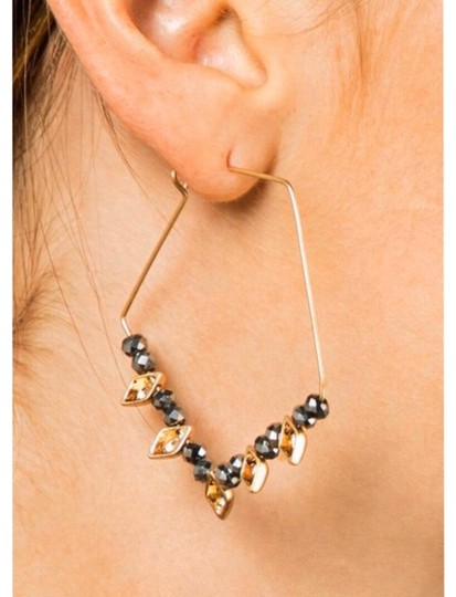 Preload https://img-static.tradesy.com/item/26118372/gray-shimmery-faceted-glass-wire-earrings-0-1-540-540.jpg