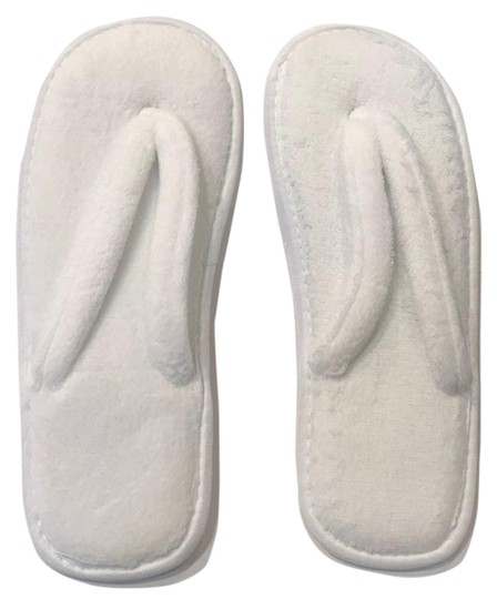 Preload https://img-static.tradesy.com/item/26118500/white-slippers-3-sandals-size-us-12-extra-wide-ww-ee-0-1-540-540.jpg