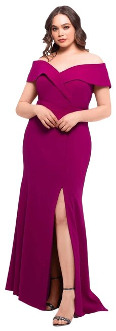 Item - Magenta Off-the-shoulder Crepe Gown 6p Long Formal Dress Size Petite 6 (S)