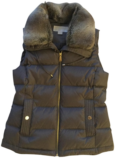 Item - Taupe Flannel Faux-fur-trim Quilted Down Activewear Outerwear Size 4 (S)