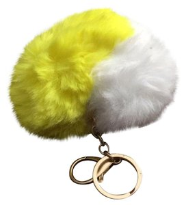 Kerah Furry Yellow Heart Handbag Charm