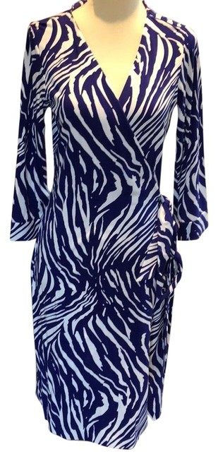 Item - Purple and White New Julian Two Shadow Print Wrap Mid-length Work/Office Dress Size 8 (M)