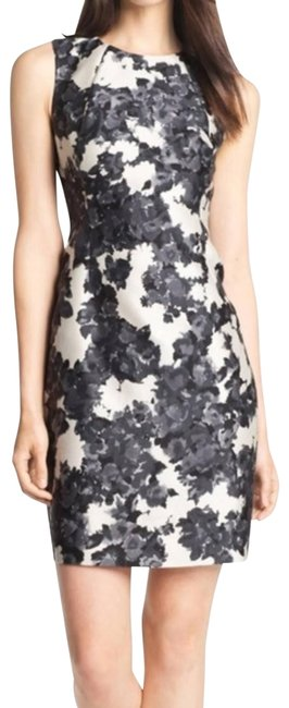 """Item - Black Gray White Floral """"Leena"""" Sheeth Mid-length Cocktail Dress Size 0 (XS)"""