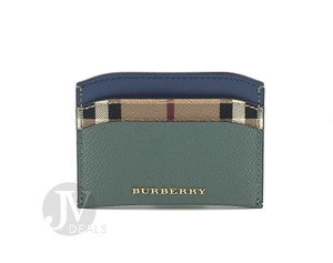 Burberry NWT BURBERRY HORSEFERRY HAYMARKET CHECK IZZY LEATHER CARD CASE WALLET