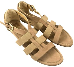 Stuart Weitzman Leather Strappy Open Toe Nubuck Flat beige Sandals
