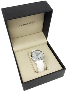 Burberry Tumbled Leather Round Dial