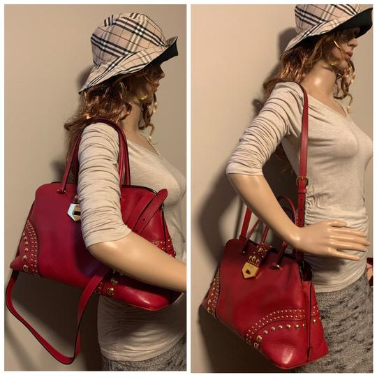 Prada Satchel in red Image 9