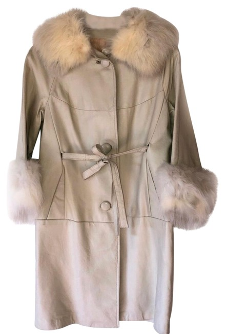 Preload https://img-static.tradesy.com/item/26130897/beige-genuine-leather-and-real-34-length-coat-size-os-one-size-0-2-650-650.jpg