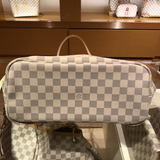 Louis Vuitton Vintage Studded Leather Monogram Tote in White Image 10