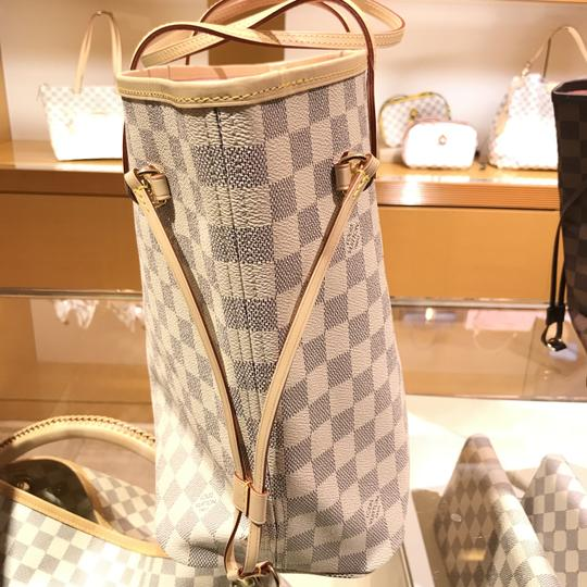 Louis Vuitton Vintage Studded Leather Monogram Tote in White Image 11