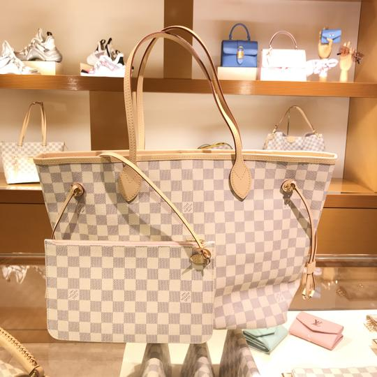 Louis Vuitton Vintage Studded Leather Monogram Tote in White Image 9