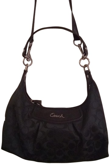 Preload https://img-static.tradesy.com/item/26131146/coach-signature-leather-and-fabric-shoulder-bag-0-1-540-540.jpg
