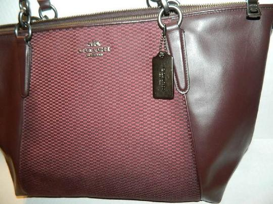 Coach New Ava Chainlink Shoulder Tote in Oxblood- Antique SV Image 4