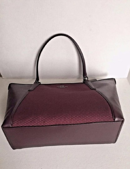 Coach New Ava Chainlink Shoulder Tote in Oxblood- Antique SV Image 5