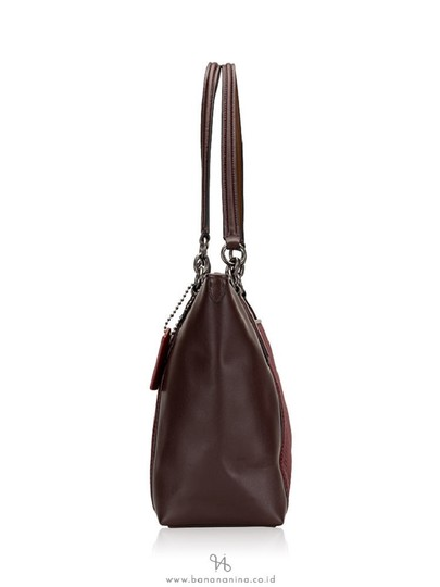 Coach New Ava Chainlink Shoulder Tote in Oxblood- Antique SV Image 9