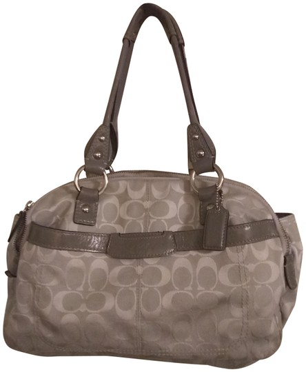 Preload https://img-static.tradesy.com/item/26131217/coach-signature-gray-leather-and-fabric-shoulder-bag-0-4-540-540.jpg