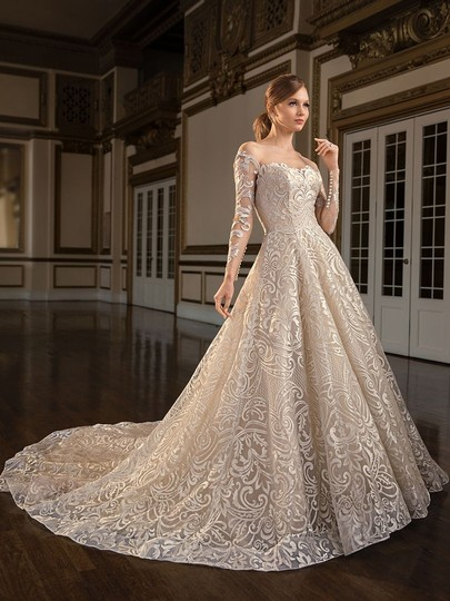 Preload https://img-static.tradesy.com/item/26131308/casablanca-couture-vintage-goldsilver-embroidered-laceduchess-satin-c137-gemma-formal-wedding-dress-0-1-540-540.jpg
