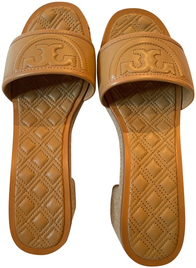 Preload https://img-static.tradesy.com/item/26131330/tory-burch-blonde-tan-fleming-50mm-espadrille-slide-sandals-size-us-9-regular-m-b-0-4-540-540.jpg