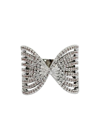 Ocean Fashion Sparkling silver crystal butterfly powder ring Image 0