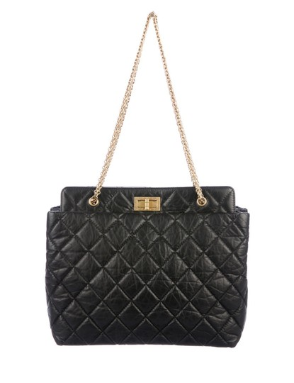 Preload https://img-static.tradesy.com/item/26134224/chanel-shopping-tote-255-reissue-black-quilted-aged-calfskin-shoulder-bag-0-0-540-540.jpg