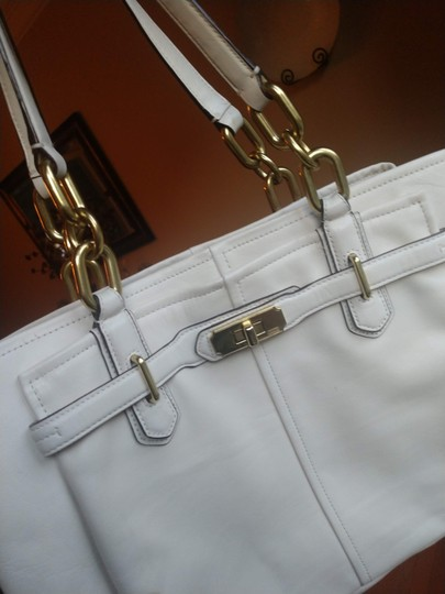 Coach Satchel in Ivory Image 2