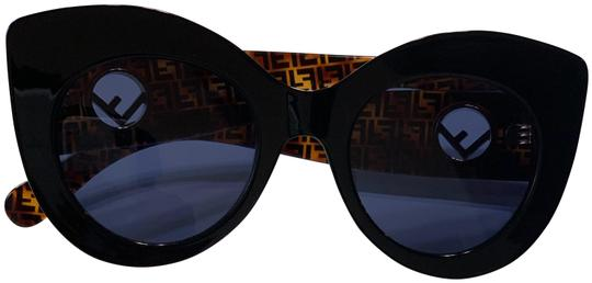 Preload https://img-static.tradesy.com/item/26134337/fendi-black-havana-sunglasses-0-1-540-540.jpg