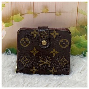 Louis Vuitton Authentic Louis Vuitton Monogram Bifold Wallet