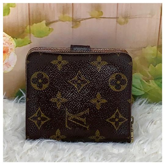 Louis Vuitton Authentic Louis Vuitton Monogram Bifold Wallet Image 1