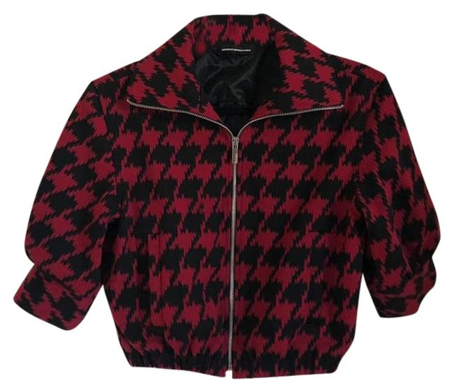 Preload https://img-static.tradesy.com/item/26134751/express-red-and-black-houndstooth-cropped-zipper-jacket-blazer-size-2-xs-0-4-650-650.jpg