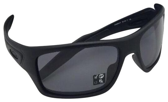 Preload https://img-static.tradesy.com/item/26134788/oakley-turbine-oo9263-07-matte-black-w-polarized-wgrey-sunglasses-0-4-540-540.jpg