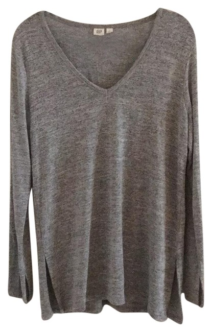 Preload https://img-static.tradesy.com/item/26134852/gap-460858-light-grey-sweater-0-4-650-650.jpg