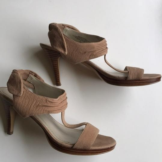 Nine West Slingback Bow Heel Tan Sandals Image 4