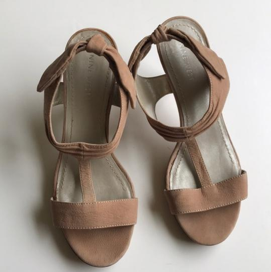 Nine West Slingback Bow Heel Tan Sandals Image 5