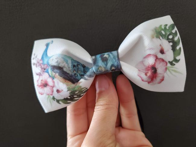 Item - White Multi New Hand Made Peacock Floral Print Gift Tie/Bowtie
