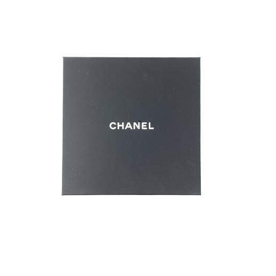 Chanel Pearl Hair Tie Image 4